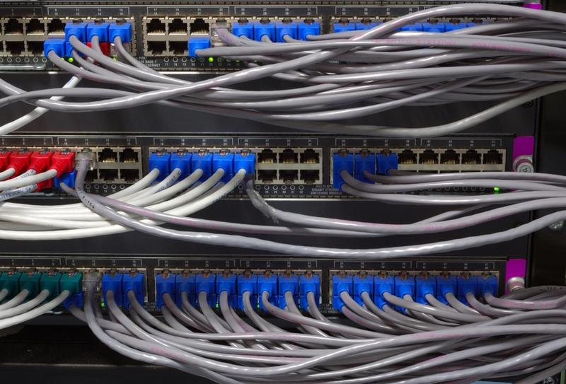 Switch-uri și cabluri